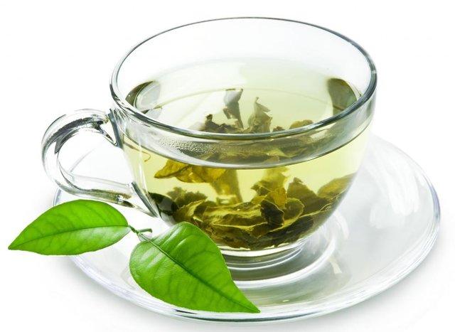 چای با سماور ذغالی